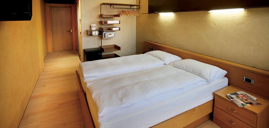 Hotel Primaluna, Malcesine, Lake Garda, Italy - Bedroom.jpg